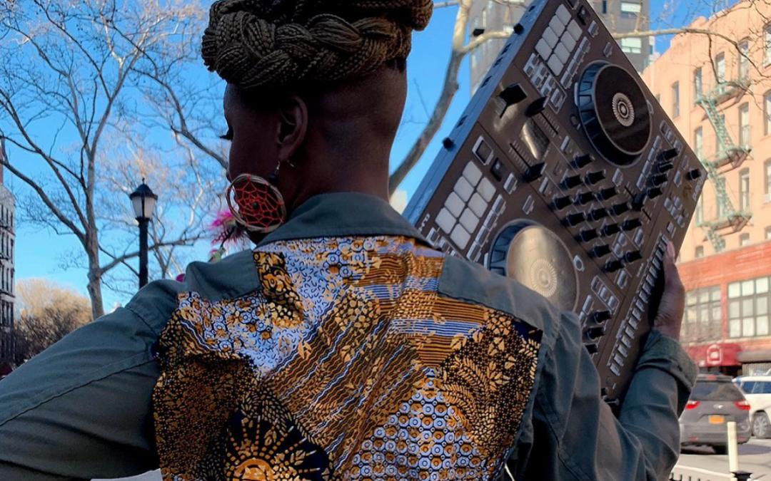 Millie Bass : Partir… à New York devenir DJ (et faire danser Robert de Niro)